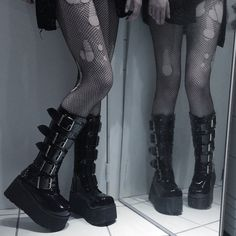 Hipster Goth, Grunge Goth, Grunge Style, Goth Style, Emo Goth, Emo Shoes, Cute Shoes, Me Too Shoes, Grunge Outfits