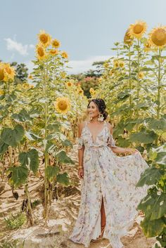 Ideas For Fashion Summer Outfits Bracelets Sunflower Field Pictures, Pictures With Sunflowers, Sunflower Pics, Sunflower Family, Sunflower Field Photography, Rauch Fotografie, Girl Senior Pictures, Senior Pics, Summer Fashion Outfits