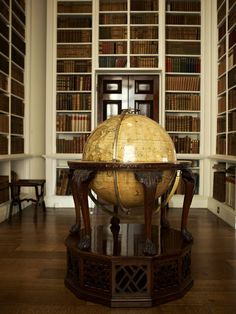 The Library - Althorp Estate Library Study Room, Dream Library, Globes Terrestres, World Globes, Beautiful Library, House Beautiful, Beautiful Homes, Library Architecture, Interior And Exterior