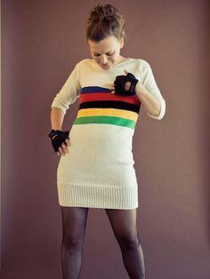 De regenboogtrui - Kleding collectie Vals Plat van Maartje Hoogland is geïnspireerd op racefietsen.