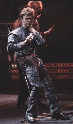 David Bowie, Glass Spider Tour, 1987.