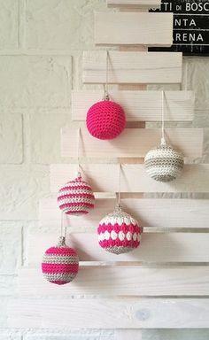 Haakpatroon Kerstballen Christmas Makes, Merry Little Christmas, Christmas Crafts, Crochet Home, Crochet Yarn, Free Crochet, Christmas Knitting, Crochet Christmas, Xmas Ornaments