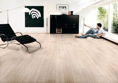 ROBLE LOSAI. Suelo laminado de alta gama, AC5, Clase 33, hidrófugo, ignífugo, antiestático y apto para su instalación con calefacción radiante. Perfecto para conseguir una sensación madera natural.  LOSAI OAK. Laminate flooring , AC5, Class of use 33, water resistant, fire resistant, antistatic and suitable for underfloor heating installation.  Perfect to get a feel of natural wood.