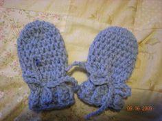 New crochet gloves free baby mittens Ideas Crochet Baby Mittens, Crochet Mittens Pattern, Crochet Baby Blanket Beginner, Crochet Baby Clothes, Crochet Gloves, Newborn Crochet, Baby Knitting, Free Crochet, Crochet Patterns