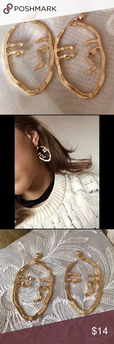 ☀️NEW☀️Face Earrings Gold color post earrings for pierced earrings. Fashion/costume jewelry. As with all merchandise, seller not responsible for fit nor comfort. Brand new boutique retail. No trades, no off App transactions.  ❗️PRICE IS FIRM UNLESS BUNDLED❗️ Jewelry Earrings