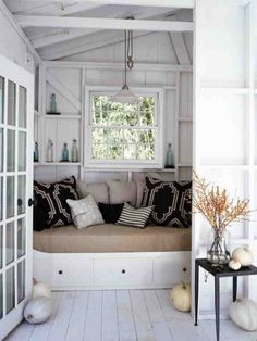 Bedroom Built In Bed Design, Pictures, Remodel, Decor and Ideas - page 5