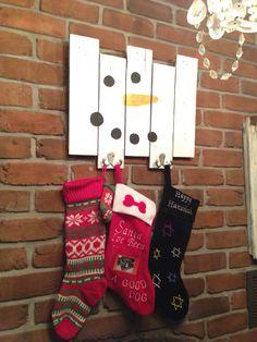 Pallet stocking hanger