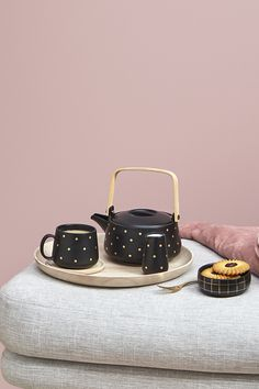 This gorgeous tea set is perfect for your daily tea break & perfect for party styling.