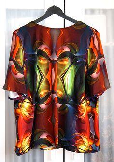 selbstgenähtes Shirt mit futuristischem 3D-Muster