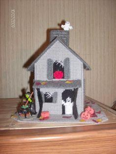 halloween plastic canvas house