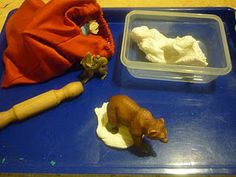Lots of winter tray! This one is making animal tracks!