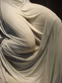 When Marble Speaks: 24 close-ups at some of the best sculptures ever made Art Sculpture, Bernini Sculpture, Drapery, Art Inspo, Sculpting, Carving, Fine Art, Architecture, Beautiful