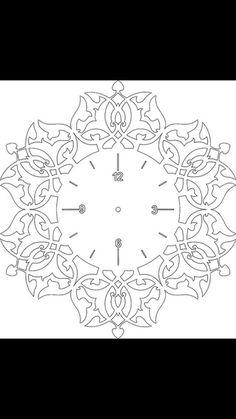 This Pin was discovered by İnc Clock Art, Diy Clock, Music Clock, Scroll Saw Patterns, Scroll Design, Feuille Aluminium Art, Aluminum Foil Art, Stencils, Afrique Art