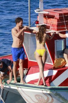 FSF  Dakota Johnson & Jaime Dornan  Honeymoon scene    On set