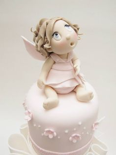 Cute fairy cake! I would never want to eat it though.
