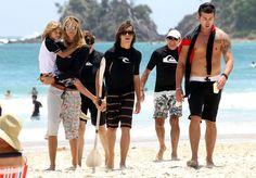 Elle MacPherson Pictures - Elle Macpherson Kayaks with Her Sons - Zimbio