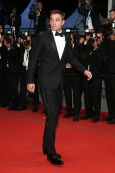 Rob at 'The Rover' premiere at Cannes, 5-18-14 (17)