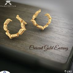 Golden earring with impressive gesture. #earring #gold #jewellery