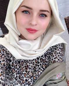 Image may contain: 1 person, closeup Muslim Fashion, Hijab Fashion, Women's Fashion, Cute Boys Images, Couples Images, Girl Photography Poses, Beautiful Hijab, Muslim Couples, Poems