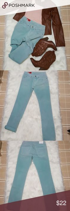 "Zara Jeans Mint Skinny Jeans Size 30 Zara Mint colored skinny jeans in great condition. Inseam measures 31"" Zara Jeans Skinny"