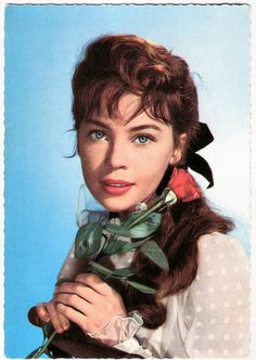https://flic.kr/p/EmJuQE | Leslie Caron | German postcard by ISV, Amsterdam, no. B 17.  French film actress and dancer Leslie Caron (1931) was one of the most famous Hollywood stars in the 1950s. She is best known for the waif-like gamines in musical films like An American in Paris (1951), Lili (1953), and Gigi (1958) . Since the 1960s she's also working in the European cinema.  For more postcards, a bio and clips check out our blog European Film Star Postcards Already over 3 million views…