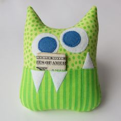 Little Monster Tooth Fairy Pillow - Kids Pillows - Ideas of Kids Pillows Tooth Pillow, Tooth Fairy Pillow, Fabric Crafts, Sewing Crafts, Sewing Projects, Sewing Pillows, Kids Pillows, Throw Pillows, Monster