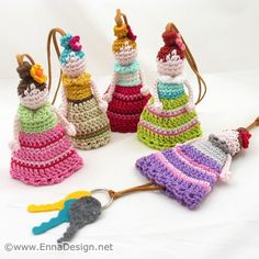 Amigurumi Dolly Key Cozy by enna design, Unique Crochet, Knit Or Crochet, Crochet Crafts, Crochet Dolls, Hand Crochet, Crochet Keychain, Crochet Bookmarks, Crochet Motifs, Crochet Patterns