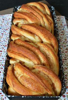 Citromhab: Fahéjas kalács Hungarian Desserts, Hungarian Recipes, Bakery Recipes, Cookie Recipes, Dessert Recipes, Super Healthy Recipes, Sweet Recipes, French Bakery, Allergy Free Recipes