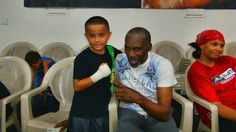 An amateur trains with the Mayweather brothers inside Mayweather Boxing Club Floyd Mayweather Sr, Mayweather Boxing Club, Boxing Videos, Trains, Brother, Money, Kids, Young Children