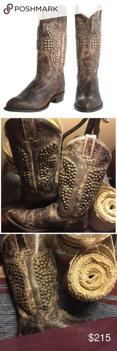 """Frye Billy Hammered Stud Women's Brown Boot Frye Billy Hammered Stud Women's Brown Boot.  Pull tabs at the top and a 1 1/2 inch block heel finish this quality style. These FRYE Billy Hammered Stud Boot are hot. A classic Western silhouette more vintage appeal, while the leather sole lends old-school luxury. Condition: New without box. Distressed Leather Look. Brown. Measurements: Shaft(from top of heel): 11 5/8""""Shaft Circumference: 12.5"""" Mid-Calf: 12.25"""" Ankle: 113/8"""" Heel: 1.5"""". Widest…"""