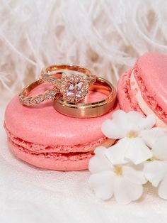 pink diamond wedding ring | Image by Amy Haberland Photography