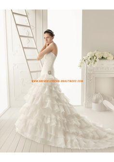 2013 Traumhafte Brautkleider mit Spitze und Satin creme Rock mit Schleppe