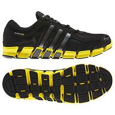 black and gold Adidas running shoes make you run like the wind.