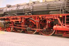 Gebrauchsspuren Scale Models, The Originals, Display Stands, Trains, Electric Train, Universe, Ageing, Locomotive, Paint Techniques
