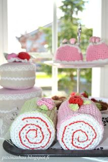 crochet something like this for the girls (no tutorial, but should be easy to make it up as i go along. Cupcakes, Crochet Food, No Bake Cake, Crochet Projects, Crochet Patterns, Knitting, Handmade, Crafts, Handicraft Ideas