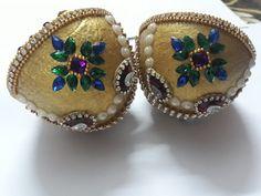 Kalash Decoration, Decoration For Ganpati, Wedding Crafts, Wedding Stuff, Coconut Decoration, Marriage Decoration, Paper Crafts, Diy Crafts, Coconut Shell