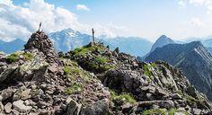 Sui sentieri della Grande Guerra: mappa che raccoglie oltre 180 escursioni sui luoghi della Grande Guerra in #Trentino. Tutte le escursioni sono state fatte di persona, una per una. Ogni escursione ha un testo descrittivo e fotografie ● http://girovagandoinmontagna.com/gim/cultura-della-montagna/sui-sentieri-della-grande-guerra/