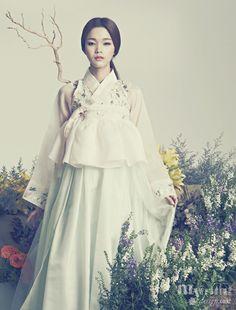 Hanbok, korean traditional clothes / My wedding / 花中花 / 바이단