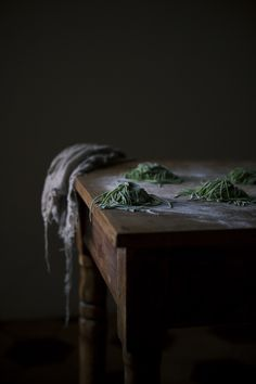 A story about plants & co. | Green fettuccine with nettles, truffle butter, sage and lemon - The Freaky Table