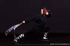 http://www.tai-chi-akademie.de/waffentraining-im-tai-chi-chuan-und-kung-fu/