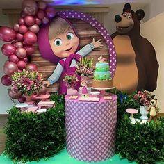 Esplêndida festa no tema Masha e o Urso! Birthday Cake Kids Boys, 2nd Birthday Party Themes, Bear Birthday, Birthday Balloons, Birthday Party Decorations, Girl Birthday, Cake Birthday, Masha Et Mishka, Marsha And The Bear