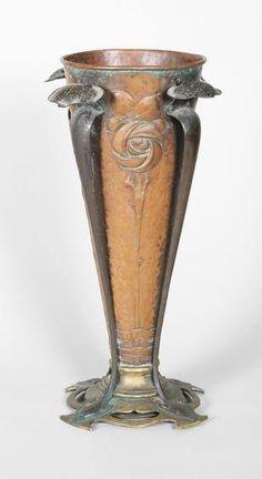 Art Nouveau - Vase en Cuivre et Laiton - vers 1900