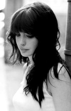 Anne Hathaway - dark locks