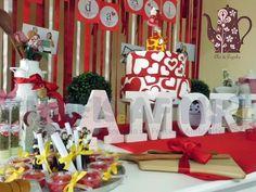 Decoração #ChádeCozinha personalizada em tons #VermelhoeBranco da nossa queridíssima noivinha Ari #amore