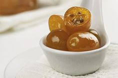 Preserved Whole Kumquats Recipe - Preserving whole kumquats can be a nice change from making jam. Serve alongside coffee or desserts - Fruit Recipes, Gourmet Recipes, Cooking Recipes, Healthy Recipes, Kumquat Recipes Easy, Jam Recipes, Vegetable Recipes, Crockpot Recipes, Healthy Food
