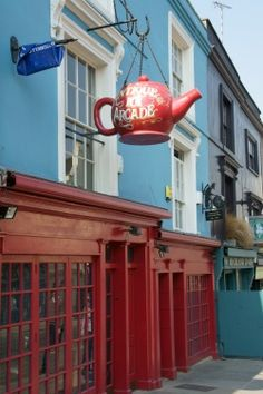 The Red Teapot is a well-known antique store on Portobello Road in West London....I've walked right by this place!