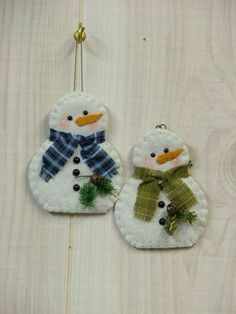 felt snowman ornaments country crafts to make - Bing Images Felt Snowman, Snowman Crafts, Snowman Ornaments, Handmade Ornaments, Felt Crafts, Holiday Crafts, Snowmen, Handmade Felt, Christmas Ornaments To Make