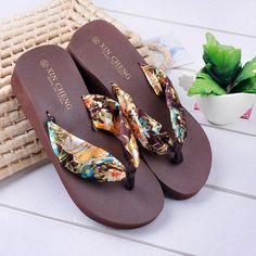Summer Sandals Women Fashion Bohemia Floral Beach Ladies Sandals Wedge Platform Thongs Slippers Flip Flops Female Shoes Hot Sale