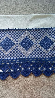 Swedish Embroidery, Hardanger Embroidery, Hand Embroidery Design Patterns, Chicken Scratch Embroidery, Mini Album Tutorial, Girl Scout Crafts, Brazilian Embroidery, Crafts For Girls, Filet Crochet