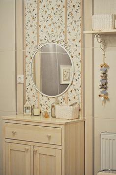 Nagyon baba! Tündérmesébe illő dél-pest megyei, romantikus álomházikó Baba, Mirror, Bathroom, Furniture, Home Decor, Washroom, Decoration Home, Room Decor, Mirrors